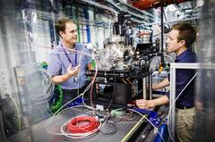 Principal investigator Dr. Anton Barty (left) from DESY and European XFEL scientist Dr. Richard Bean at the SPB/SFX instrument, setting up the first experiments at the new facility. Credit: DESY, Lars Berg